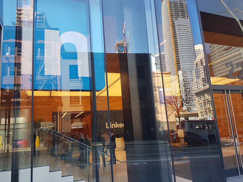 How My Network Helped Me Get a Tour At LinkedIn in San Francisco